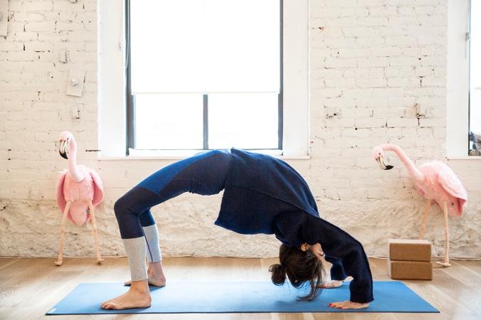 leandra-medine-yoga-sky-ting-man-repeller-5