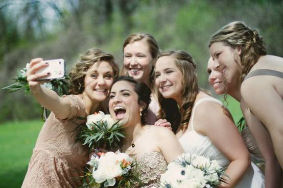 esküvős szelfi