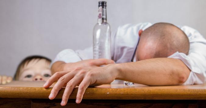 alcoholic-1939418_1280